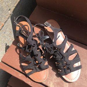 Carlos sandles Size 5.5
